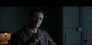 Luke Evans in Professor Marston & the Wonder Women, fonte screenshot youtube